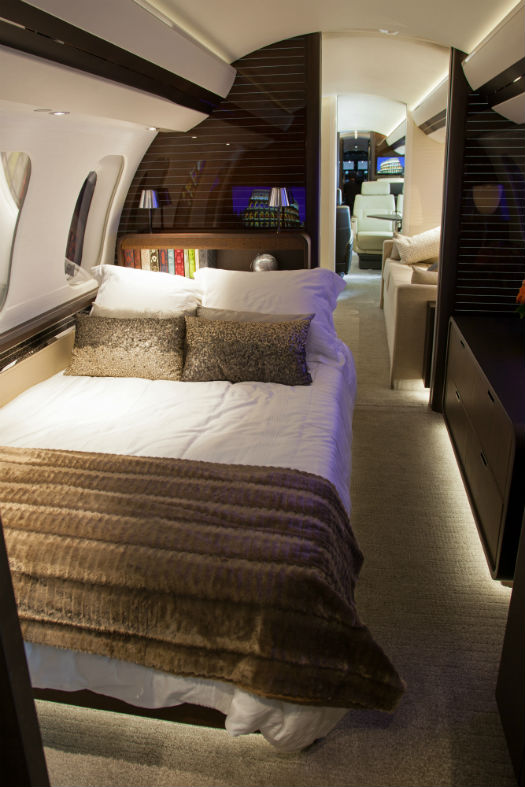 Reach For The Top Bombardier Unveils Global 7000 Skies Mag