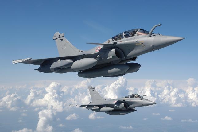Rafale and F-35 - Skies Mag