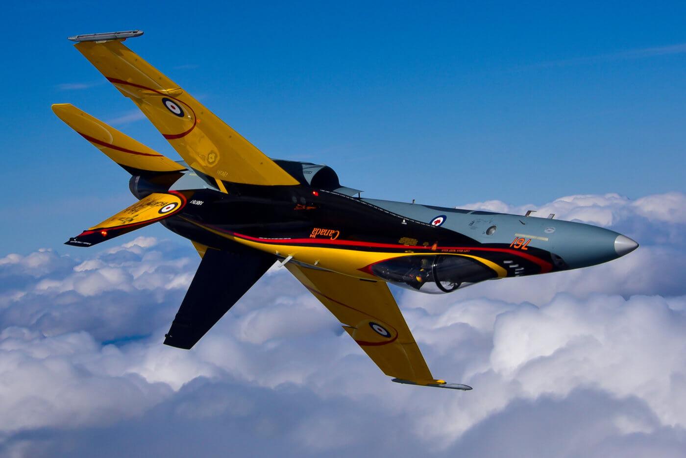 CF-18 Demo Hornet flying upside down.