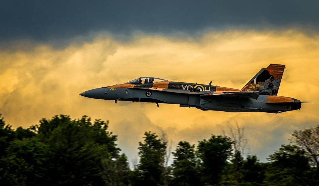"""Denis """"Cheech"""" Beaulieu flies the CF-18 Demo Hornet in 2015. Photo submitted by Philippe Lacroix."""
