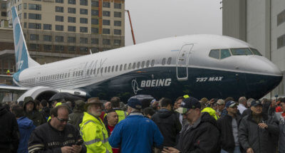 A crowd gathers around the 737 MAX 9.
