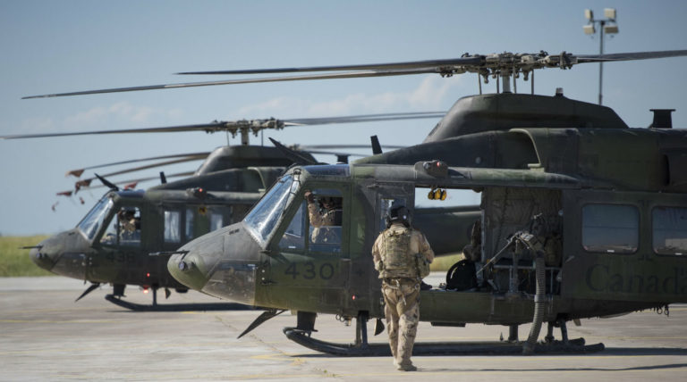 Members of Air Task Force – Iraq (ATF-I) from 408 Tactical Helicopter Squadron depart Camp Érable, Iraq, for their first mission onboard a CH-146 Griffon helicopter during Operation IMPACT on April 25, 2017. DND Photo