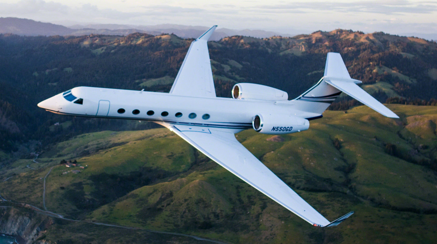 The Gulfstream G550 can fly at a maximum cruise altitude of 51,000 feet/15,545 metres and at speeds up to Mach 0.885. A fully-equipped G550 offers numerous possible cabin layouts and options to fit a variety of missions. Gulfstream Photo
