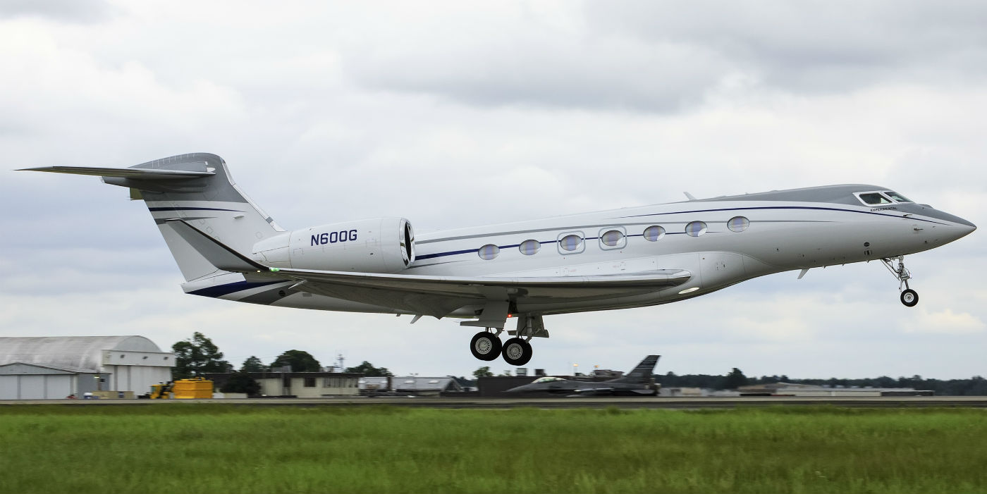 The first G600 production aircraft takes off on its first flight. Gulfstream Photo