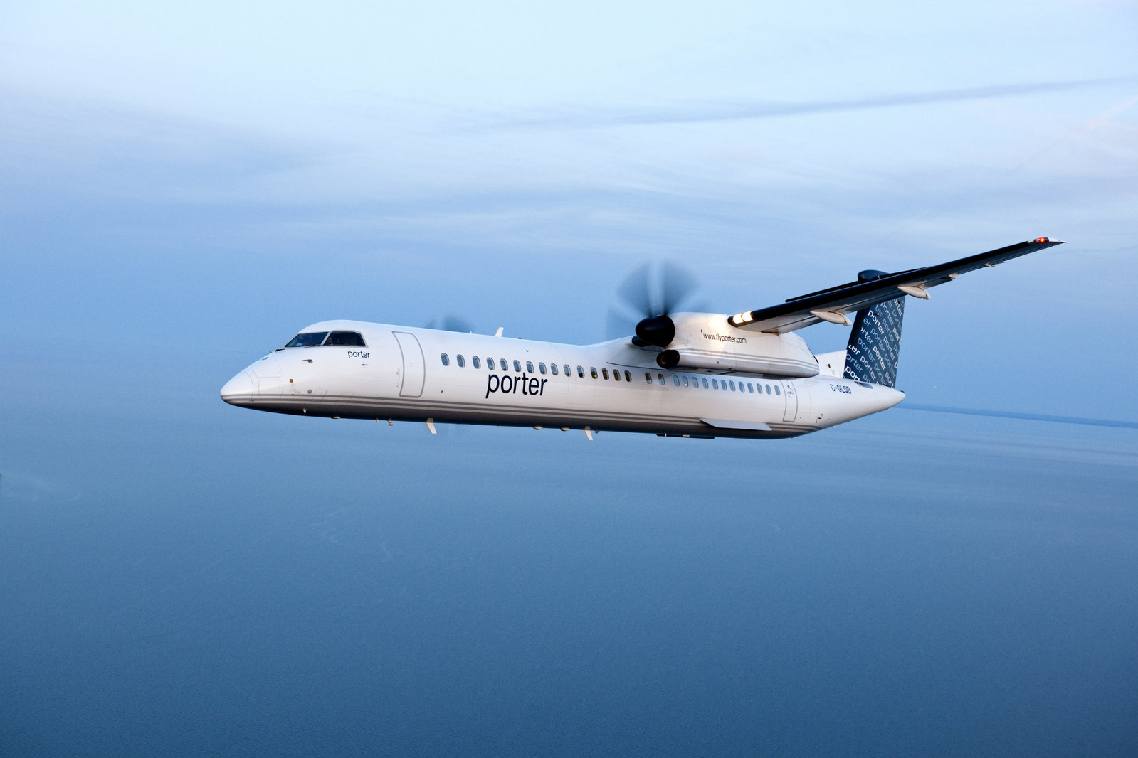 Porter Bombardier Q400 in flight