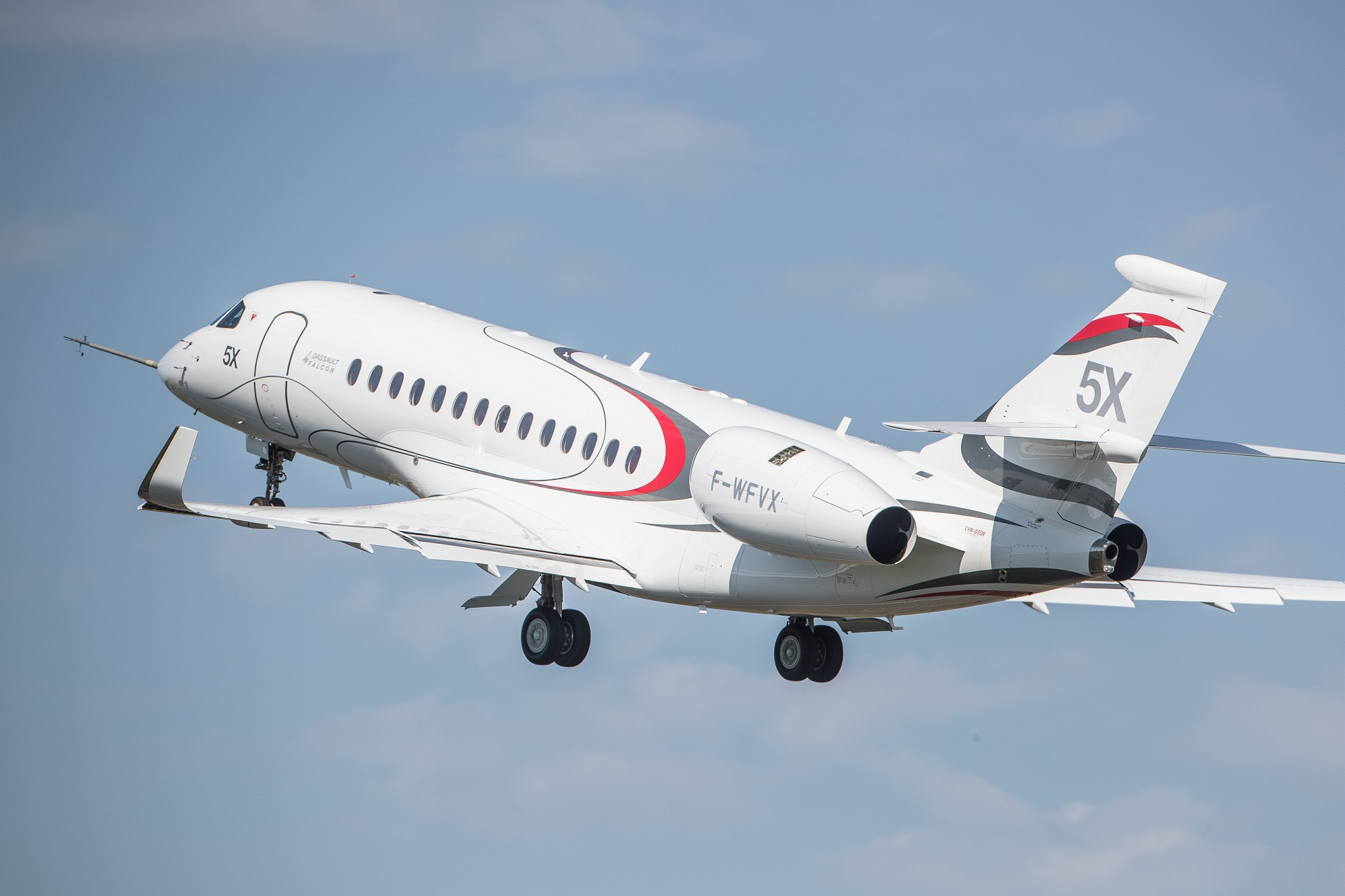 Dassault Falcon 5X in flight