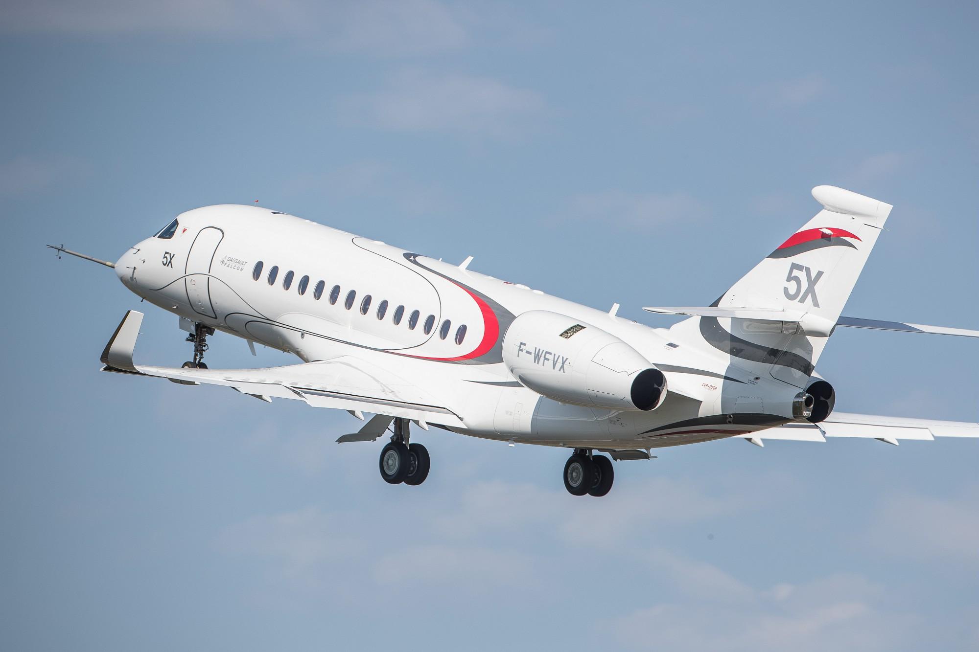 Dassault Falcon 5X in flight