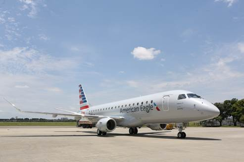 Embraer E175 in American Airlines livery