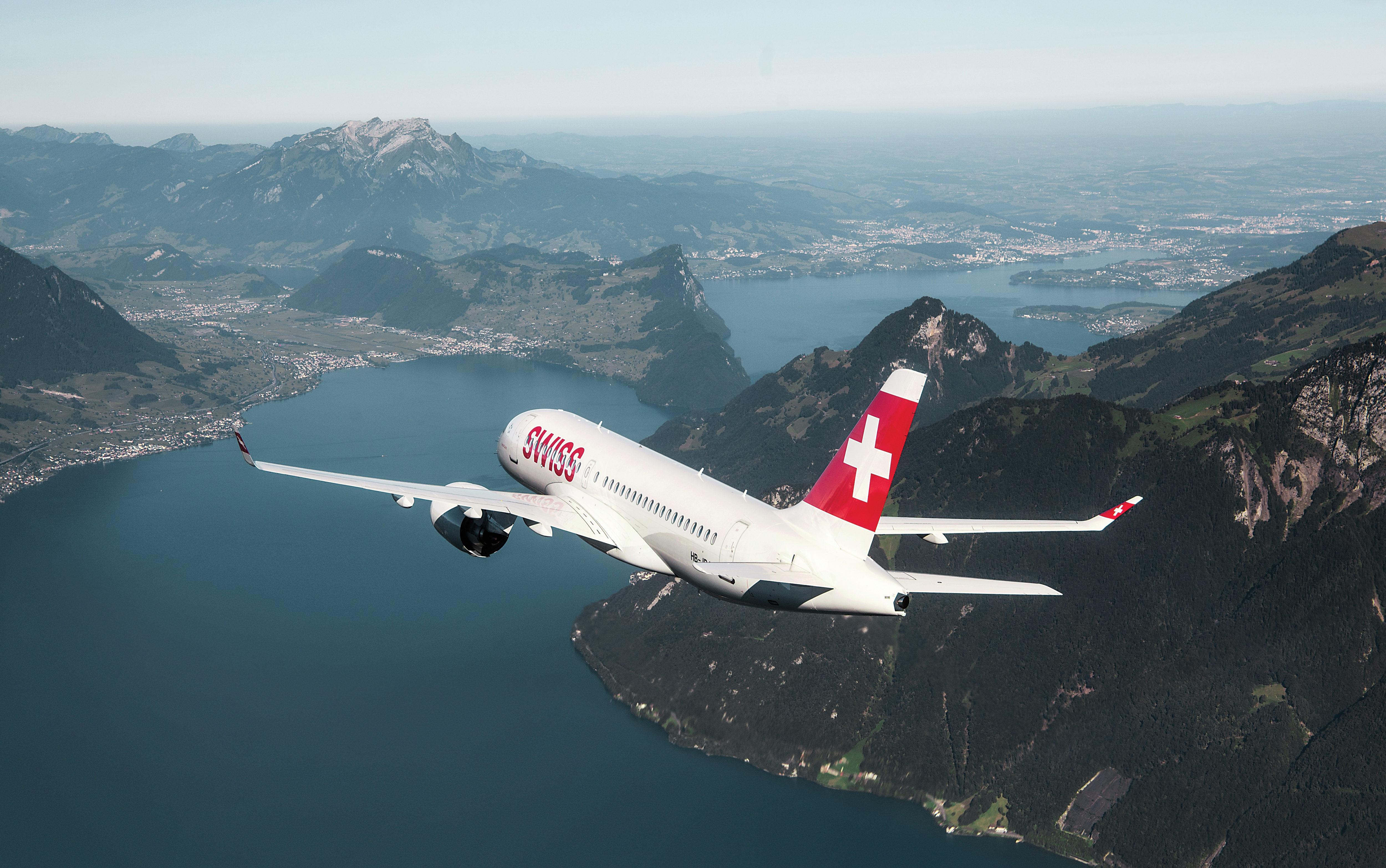 Swiss Air Lines CS100 in flight