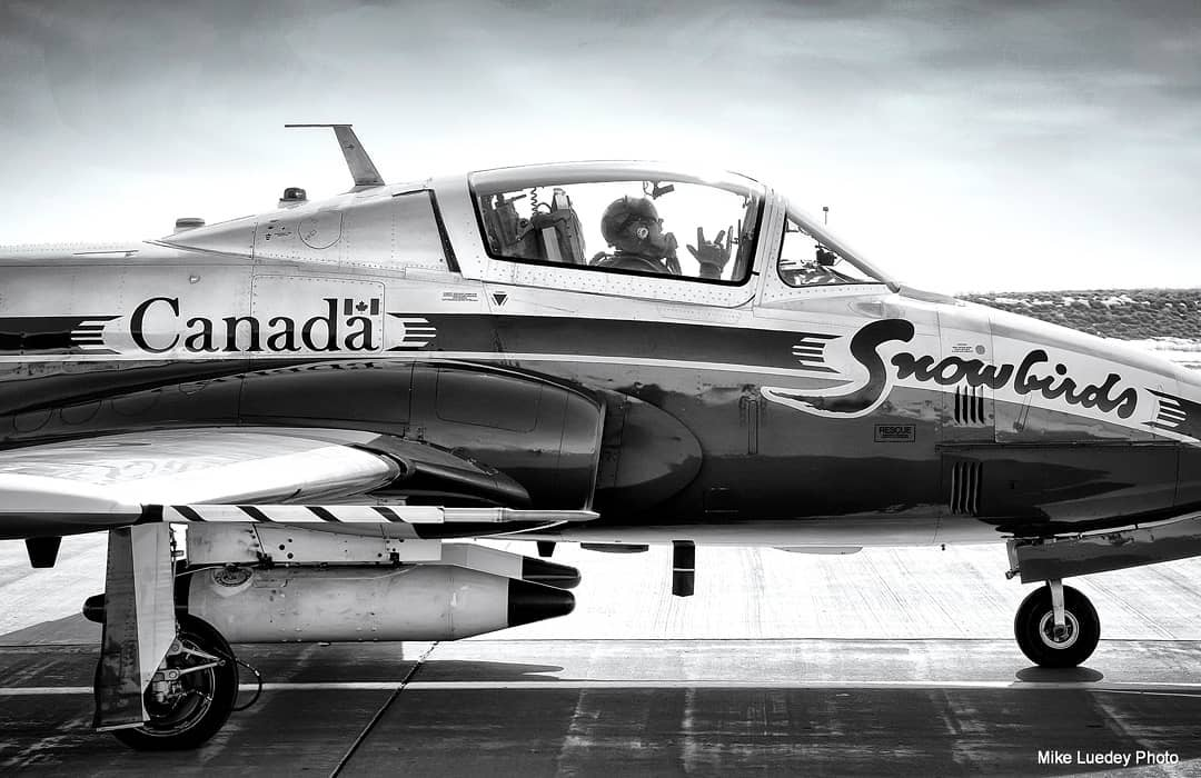 Canadian Forces Snowbirds No. 8 – lead solo Capt Greg Hume-Powell. Photo submitted by Mike Luedey (Instagram user @ydpphoto) using #skiesmag