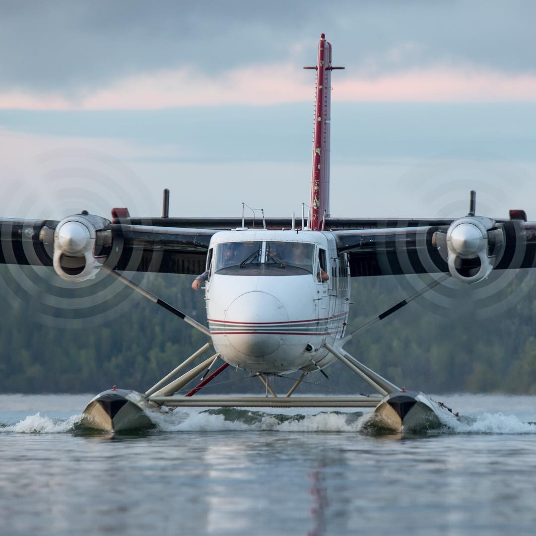 A DHC-6 Twin Otter on the water in Yellowknife, N.W.T. Photo submitted by Intagram user @danger.dan22 using #skiesmag