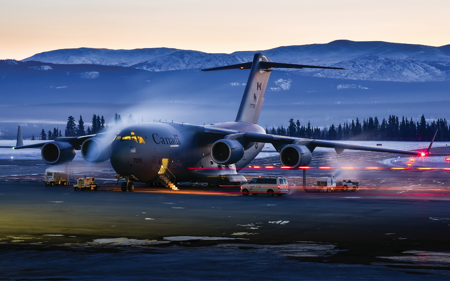 Congrats to Simon Blakesley for winning first place in the Military category in the 2018 Skies Photo Contest! A 20-second time exposure captured this Royal Canadian Air Force 429 Squadron CC-177 Globemaster III as it prepared to depart CYXY on a -35 C morning.