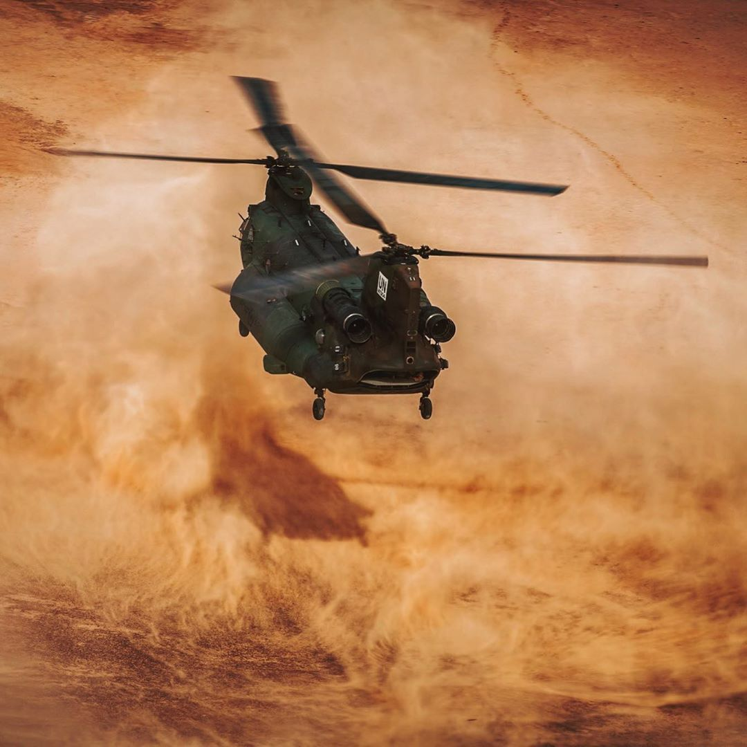 An RCAF CH-147F Chinook kicking up dust as it takes off in Mali. Photo submitted Lloyd Horgan (Instagram user @lloydphoto) by tagging @skiesmag.