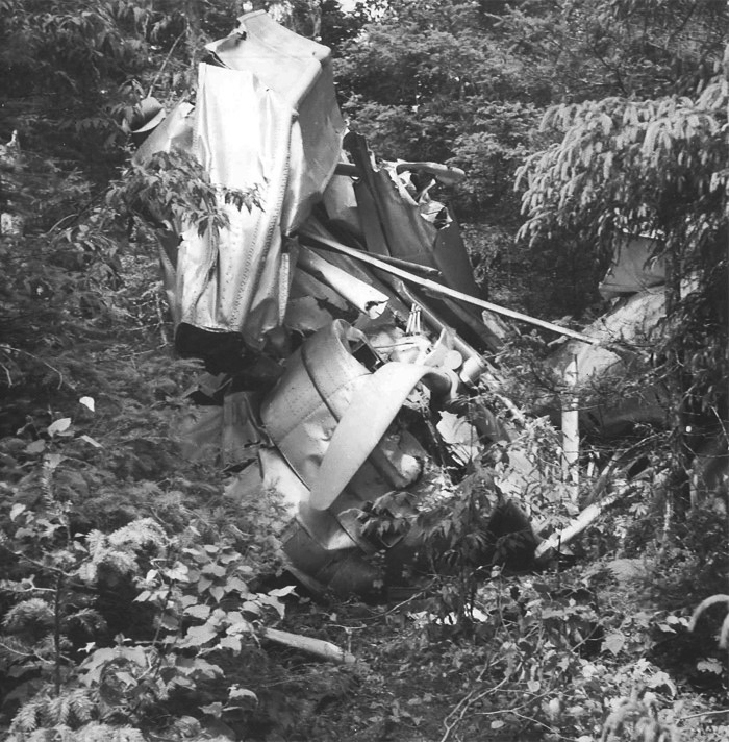 This photo shows the propeller blade of 673, which is bent backward. During a crash of a propeller-driven aircraft, the blades will bend backwards if the engine is at idle or has failed. If they are bent forward, this would indicate the aircraft was under power. It appears that Doan either had a dying engine or cut the power moments before impact. Pat Donaghy Photo