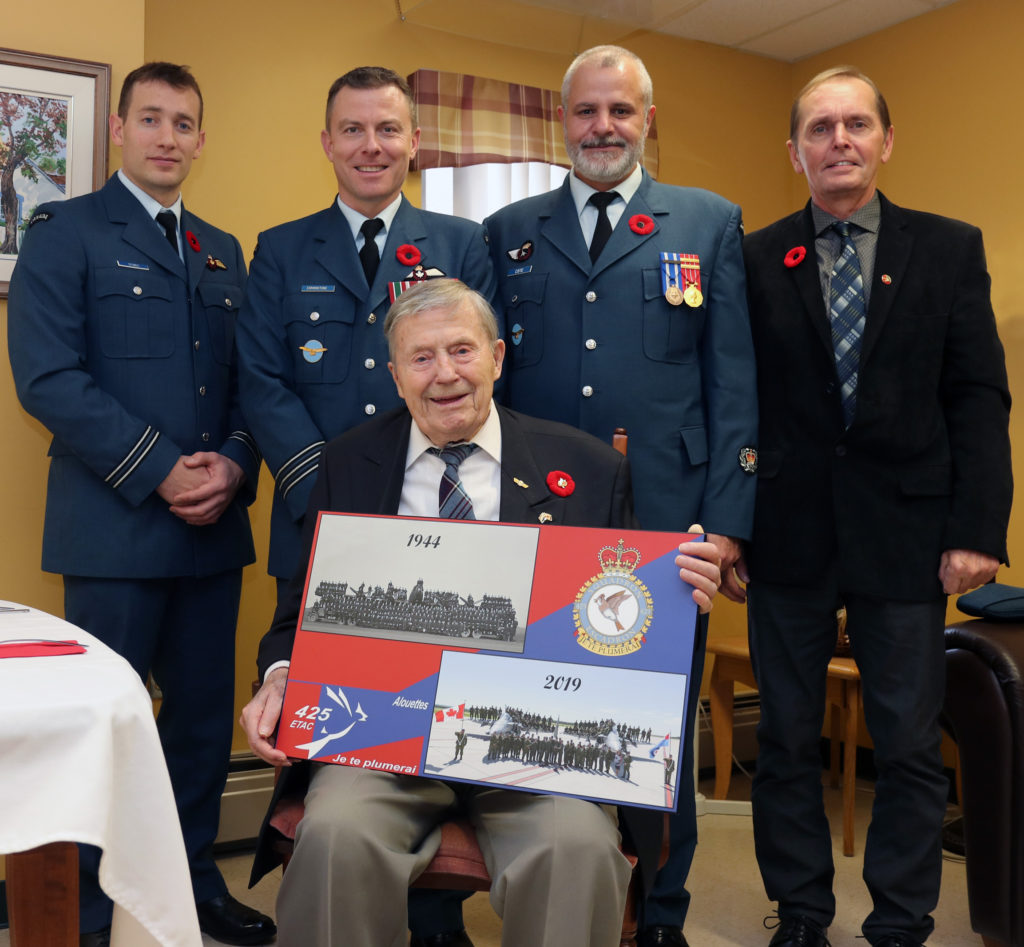 Several members of the 425 Tactical Fighter Squadron family visited Jean Cauchy, first row centre, on Remembrance Day 2019. RCAF Photo