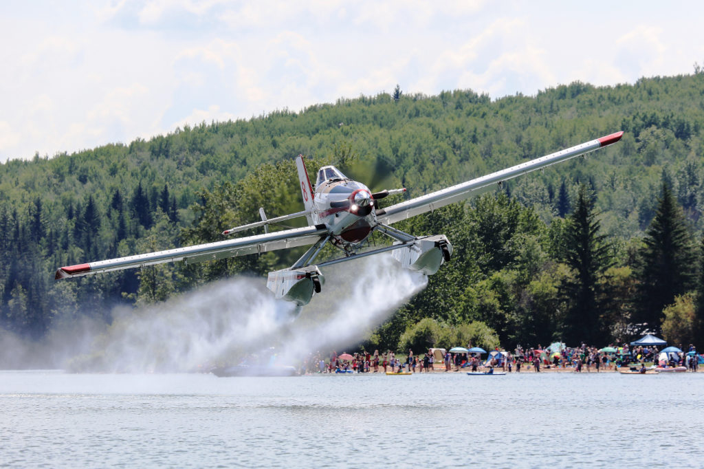 The amphibious Air Tractor AT-802 Fire Boss can maintain a high tempo of water drops, scooping from a nearby water source. Chad Morrison Photo