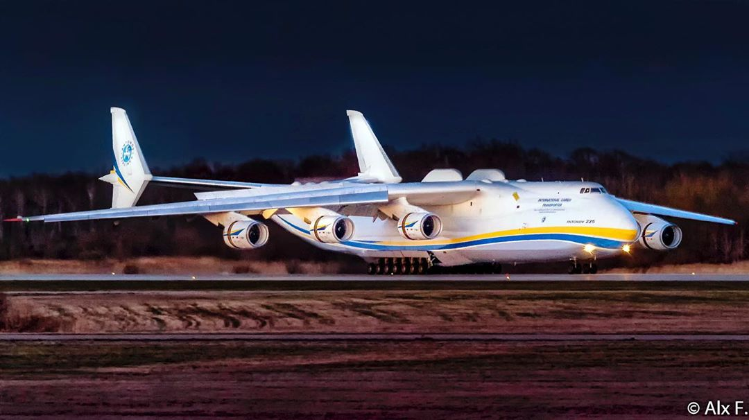 The mighty Antonov An-225 shortly after touching down in Mirabel, Que. Photo submitted by Instagram user @alex_at_yul by tagging @skiesmag.