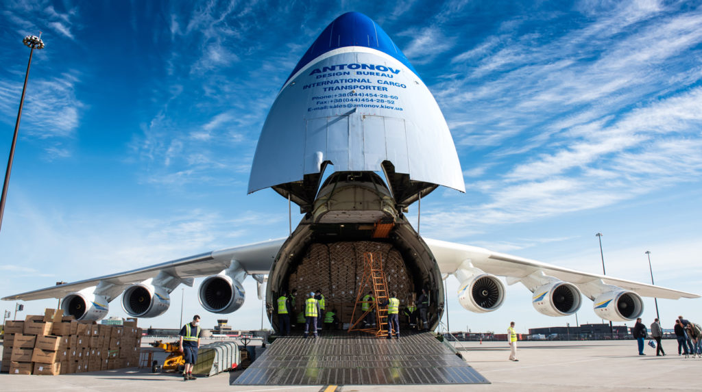 When the Antonov AN-225 touched down in Mirabel, Que., it took the ground crew seven hours to unload the gigantic aircraft. Célian Génier Photo