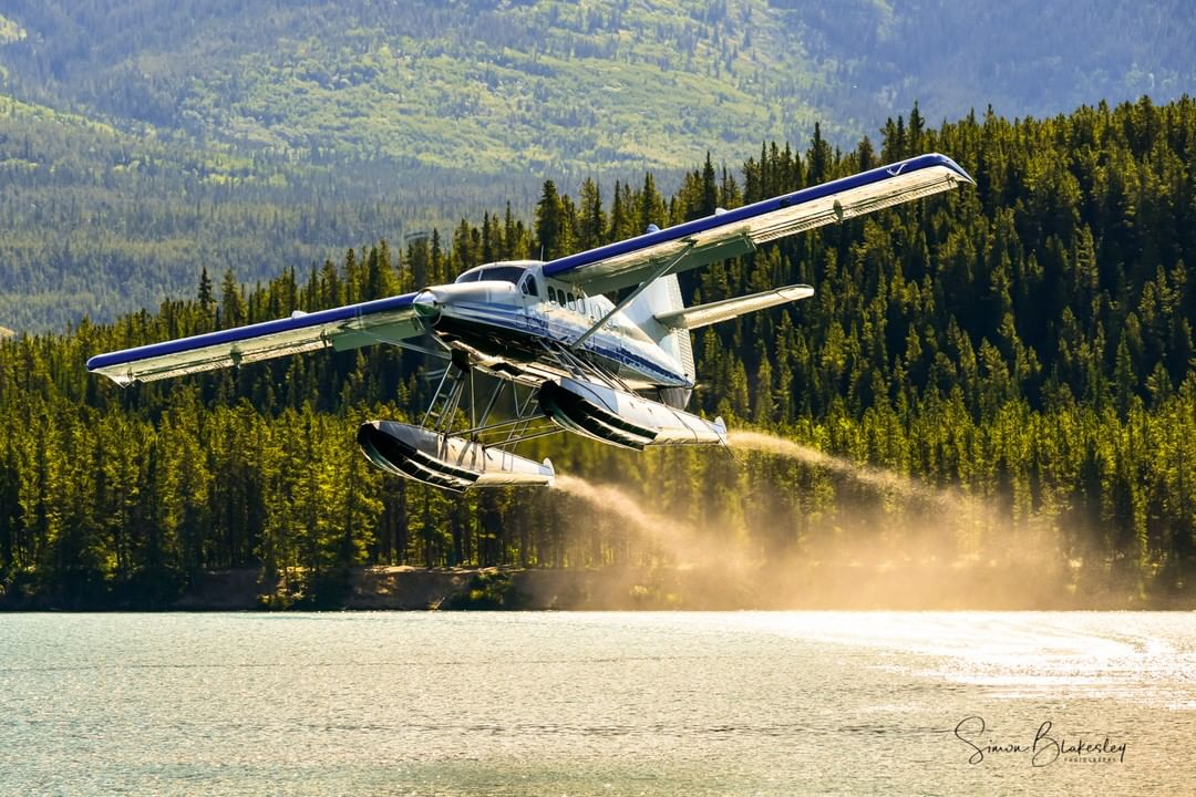 An Alkin Air de Havilland Canada DHC-3 Otter takes off from Schwatka Lake. Photo submitted by Simon Blakesley (Instagram user @simon_blakesley) using #skiesmag.