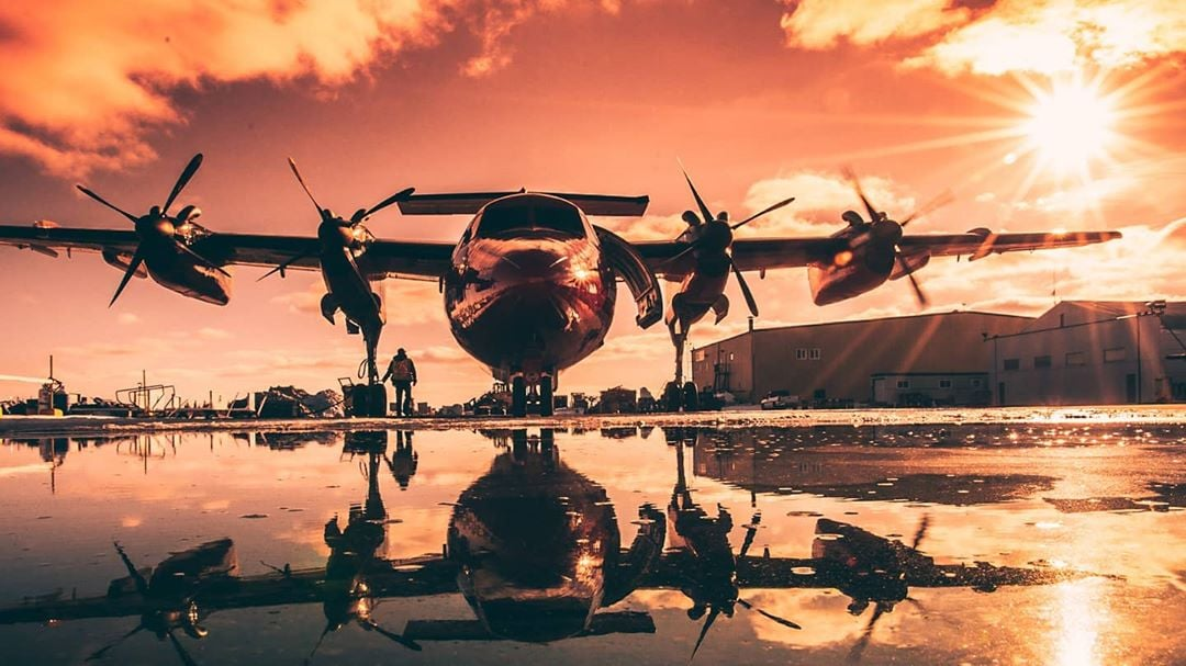 Viking Air Dash 7 at golden hour in Yellowknife, N.W.T. Photo submitted by Cameron Barfoot (Instagram user @barfoot12) using #skiesmag