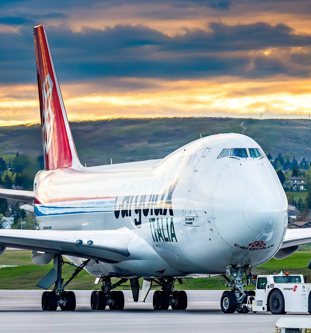 Cargolux Boeing 747-4R7(F) departing Calgary International Airport for Luxembourg. Photo submitted by Zach Thurston (Instagram user @ztp.yyc) using #skiesmag